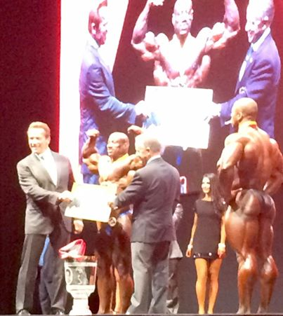 dexter jackson vincitore dell'arnold classic europe 2015 insieme a Shawn ray