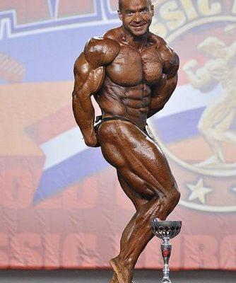 Alexander Kodzoev sul palco dell'Arnold Classic Europe 2012