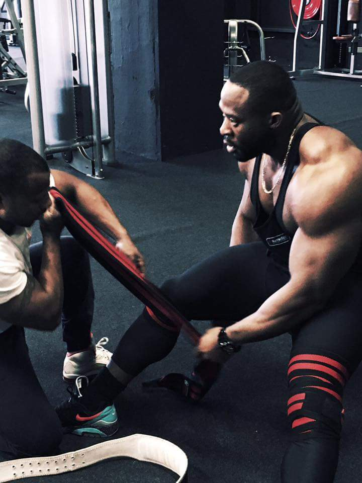 micheal-muzo-roelly-winklaar-trains-legs_4
