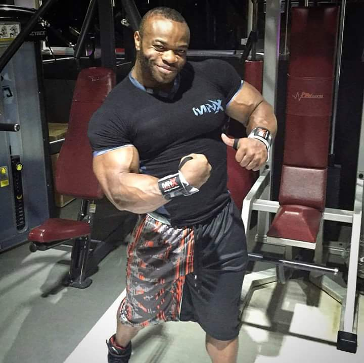 clarence-de-vits-pro-ifbb-offseason-agsoto