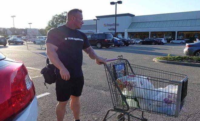 ronny rockel al supermercato