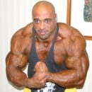 Dennis-James-2004-mr-olympia