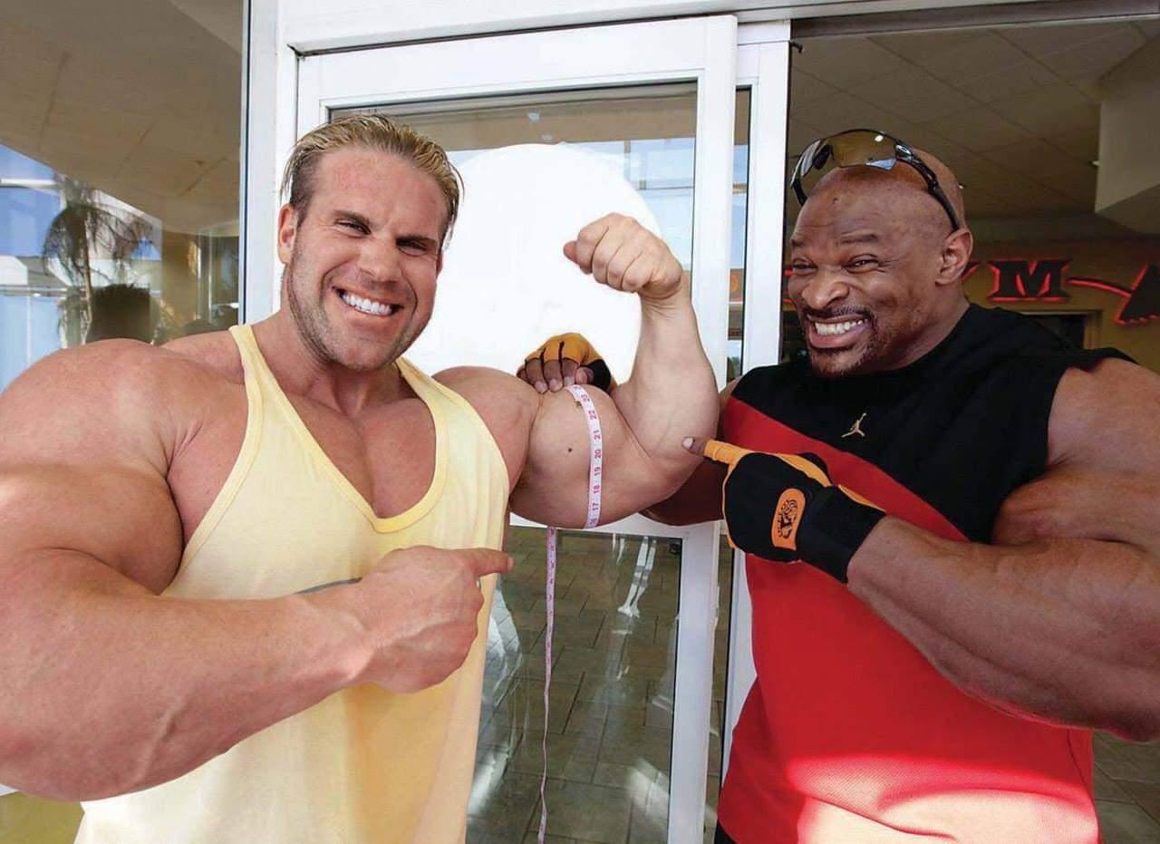 ronnie coleman misura il braccio di jay culter