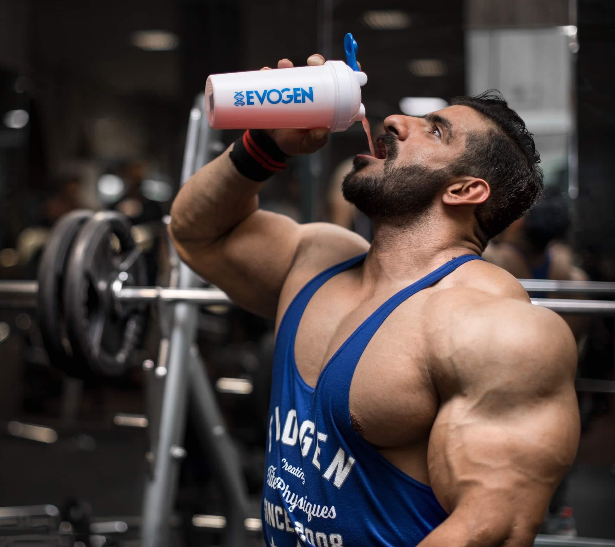 hadi choopan si integra durante il workout