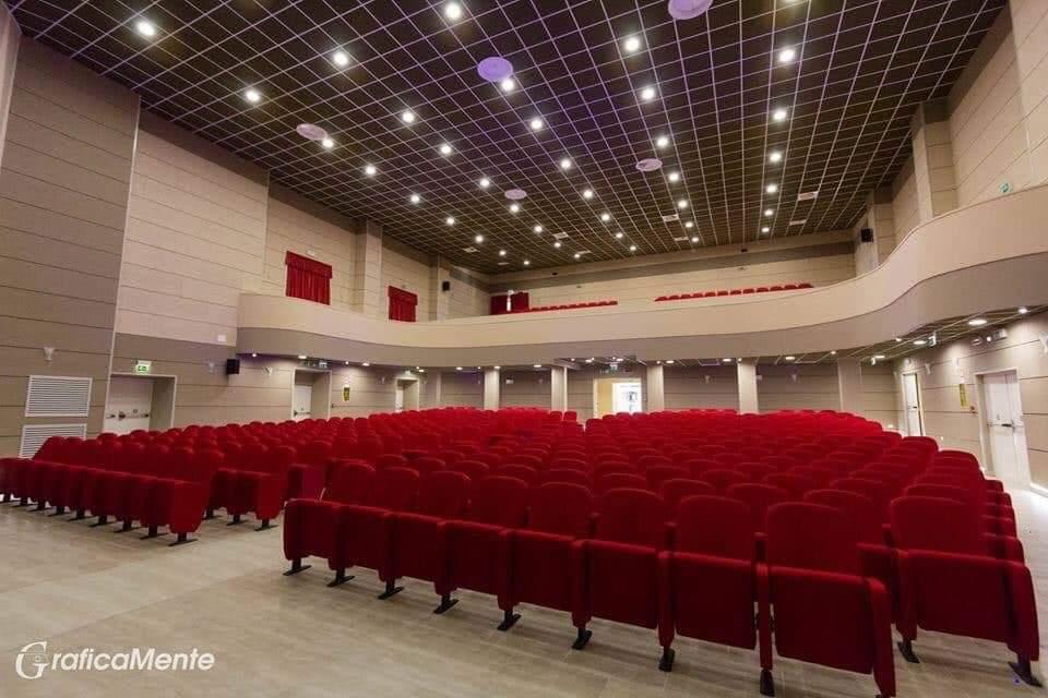 il teatro ferrari di Sapri