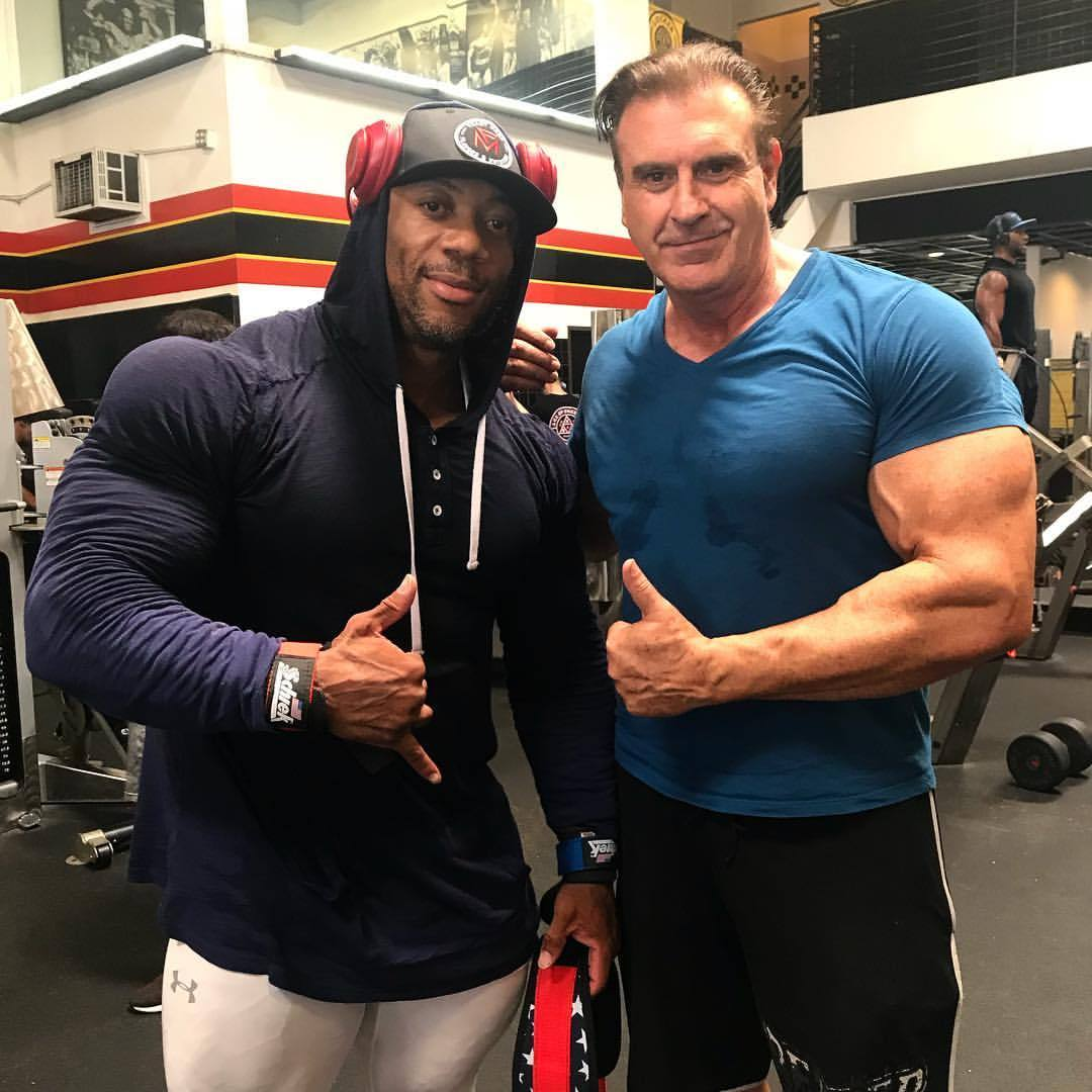 shawn rhoden pro ifbb e mr olympia 2018 con alex ardenti alla gold's gym di venice in california