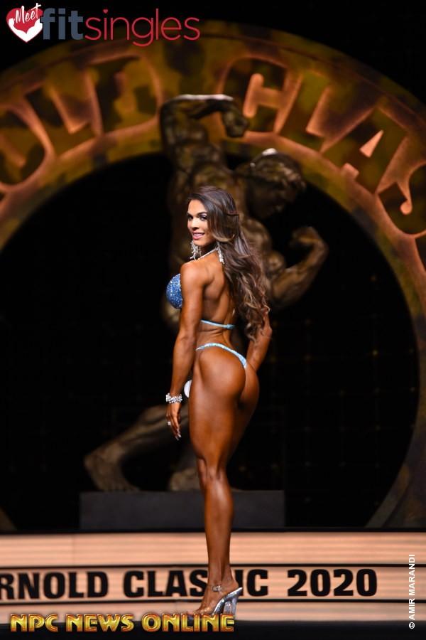 vincitrice della categoria BIKINI pro ifbb ELISA PECINI 2020 arnold classic ohio