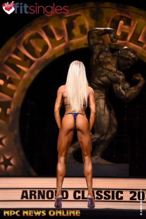 alessia facchin pro ifbb all'arnold classic ohio 2020 pro ifbb bikini