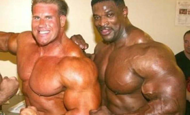 jay cutler e ronnie coleman nel backstage di una gara pro ifbb