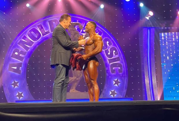 Alex Cambronero pro ifbb vince arnold classic ohio 2020 men's classic physique