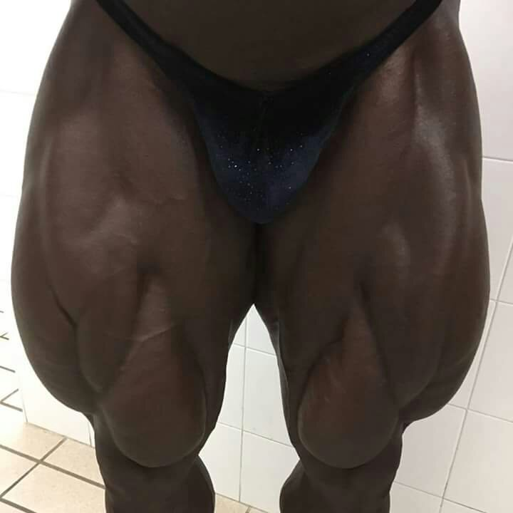 Lionel beyekey's legs! Before pro show