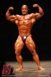 Mike Kefalianos sul palco del master olympia 2012