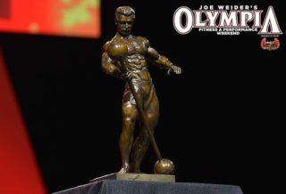 la statua del mister olympia il sandow
