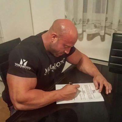 petar klancir firma il contratto per gareggiare all'ACE 2016