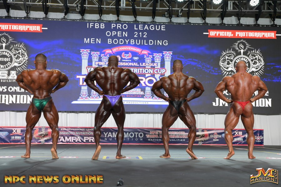 apertura dorsali di schiena 2020 tampa pro ifbb George peterson, DECTRIC LEWIS , DERIK OSLAN e Aaron Clark
