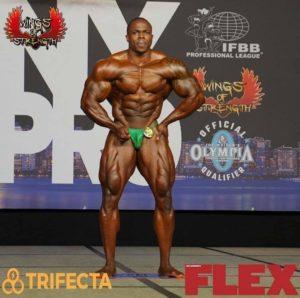 DWAYNE WALKER posa di most muscular 2020 new york pro ifbb