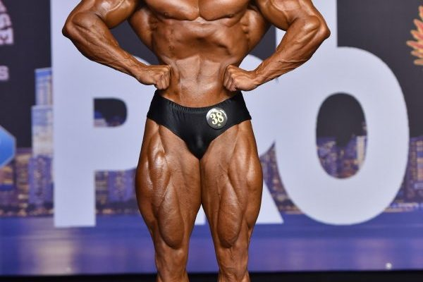 LOGAN FRANKLIN vince il new york pro ifbb 2020 nella categoria men's classic physique