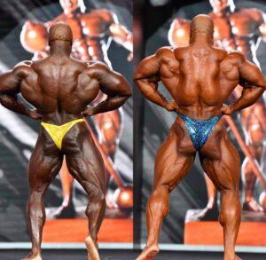 brandon curry VS phil Heath sul palco del mister olympia 2020 posa di apertura dorsali di schiena
