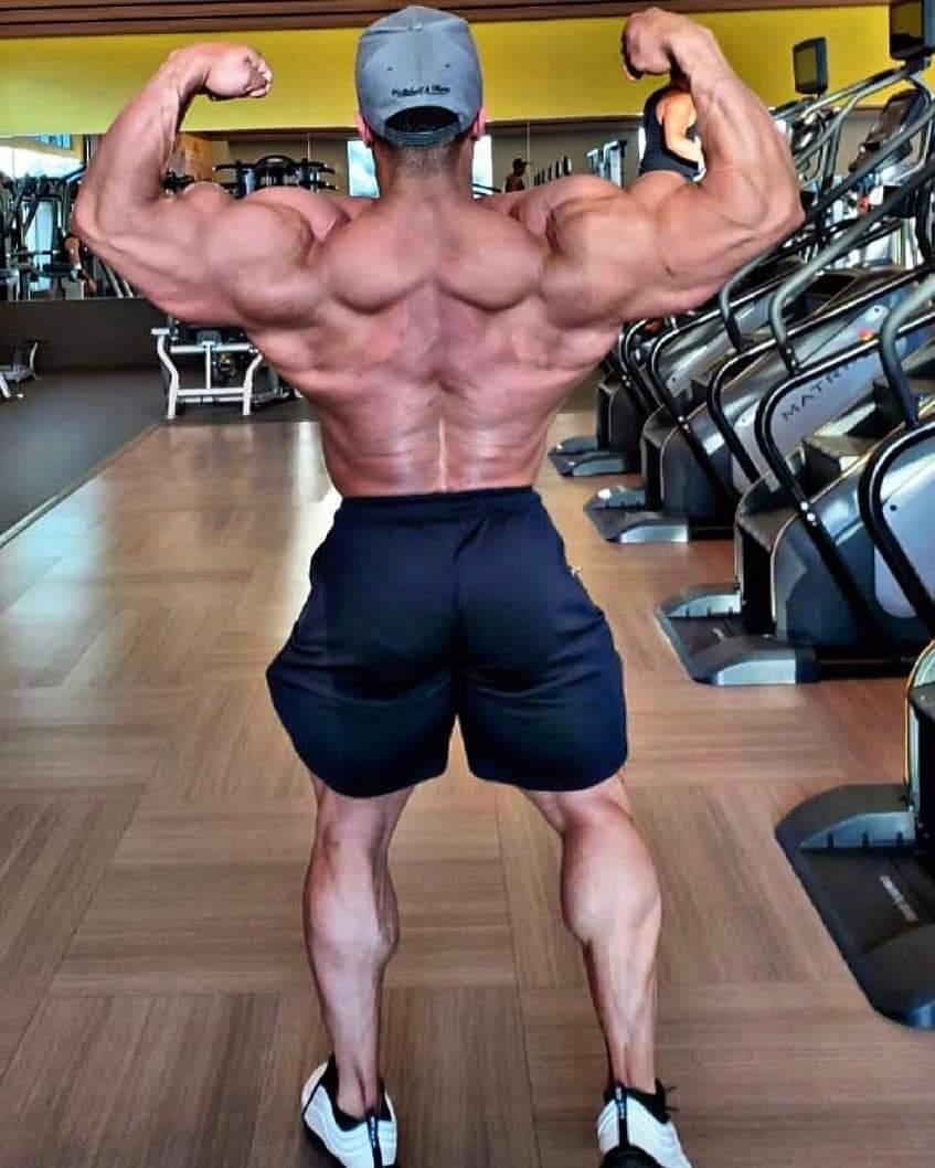 La schiena di JUSTIN RODRIGUEZ pro ifbb in preparazione per il New York PRO IFBB 2021 aprile