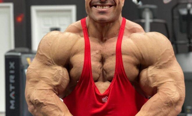hassan mostafa pro ifbb road to 2021 new york pro ifbb posa di most muscolar
