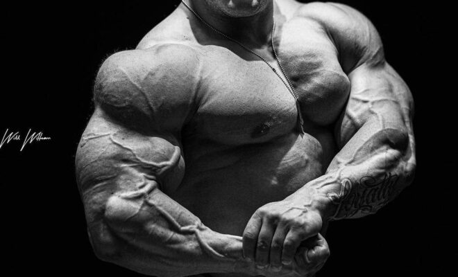 posa di side chest per nick walker pro ifbb