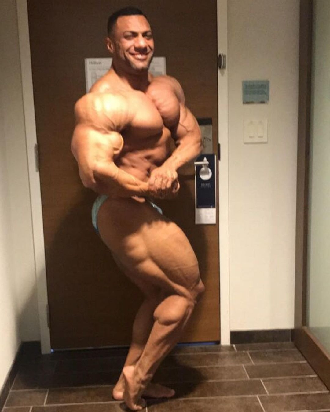 justin rodriguez road to Indy PRO IFBB 7 days out posa di side chest