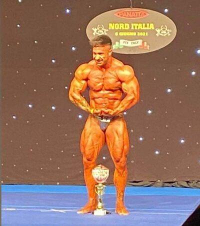 vincitore assoluto bodybuilding al Nord Italia IFBB 2021 fichilli alessandro