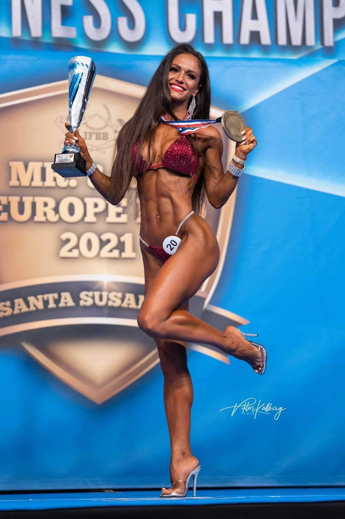 Yana Kuznetsova vince il miss europe 2021 ifbb elite pro
