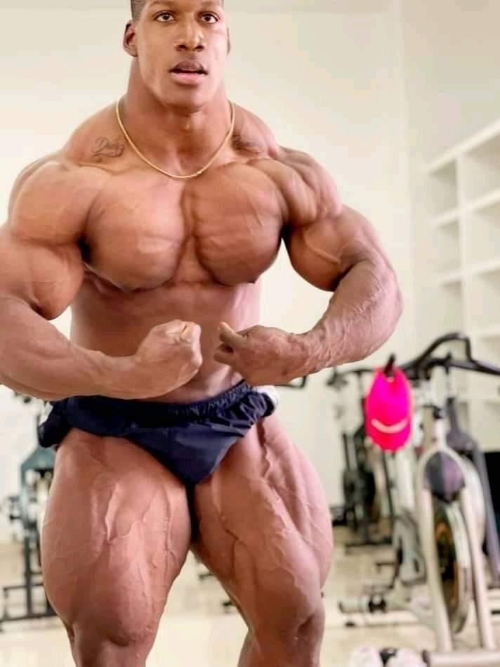 posa del più muscoloso per rubiel mosquera ifbb elite pro