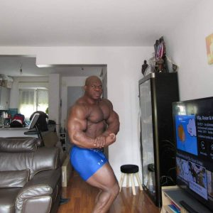 LIONEL BEYEKE ROAD TO COMPETITIONS 1 OTTOBRE 2021 POSA DI SIDE CHEST