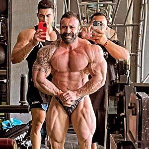 posa di most muscular per pasquale d'angelo a pochi giorni dal mister olympia 2021